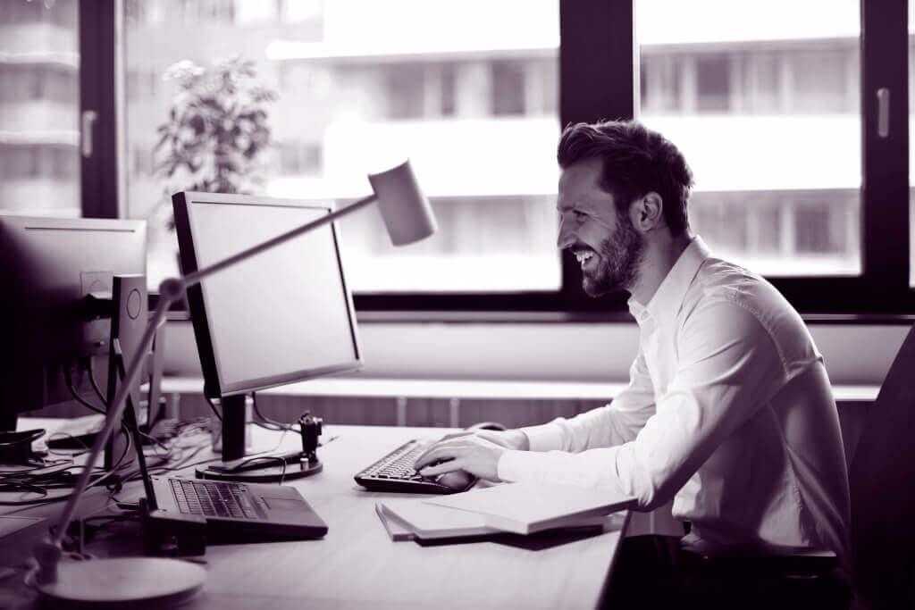 Scan Invoice: Effektiv digital behandling af fakturaer
